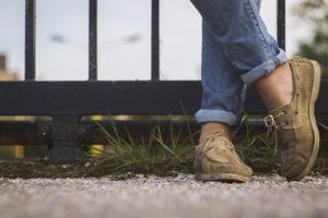 brązowe buty do chodzenia w pracy