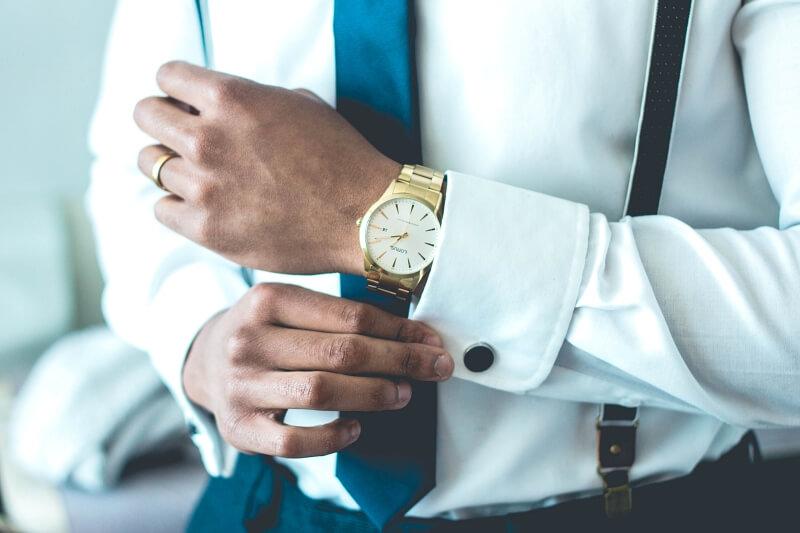 zegarek na bransolecie do garnituru